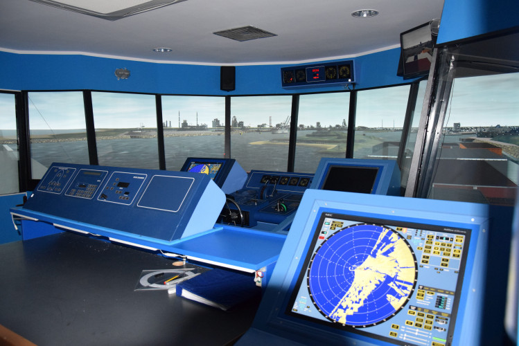 Epson projectors bring the bridge to life at Gdynia Maritime University