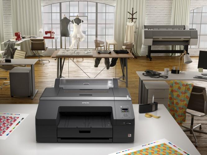 Epson lanza una impresora de producción fotográfica, artística y de pruebas con una precisión de color excelente