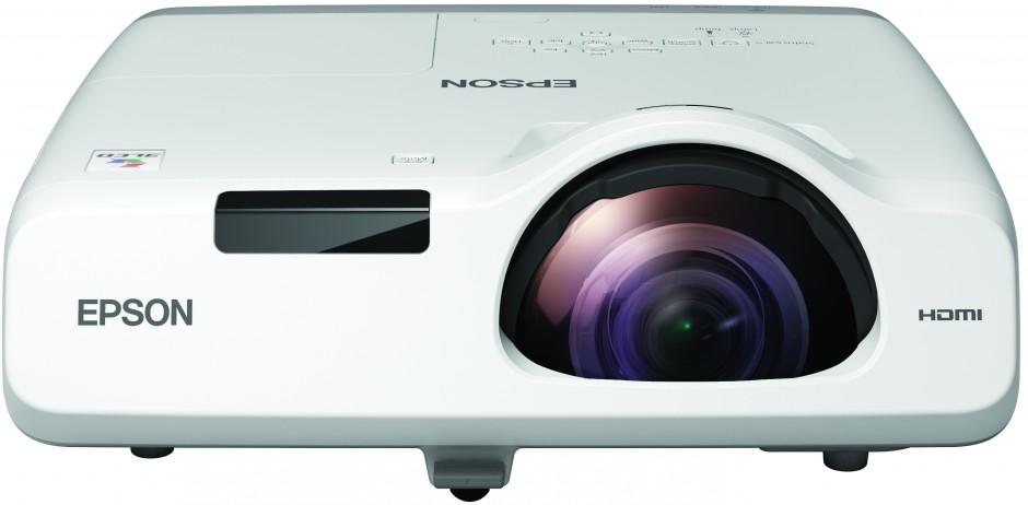 Epsonilta uusia, monipuolisia lyhyen etäisyyden projektoreita, joissa on paljon helppokäyttöisiä toimintoja