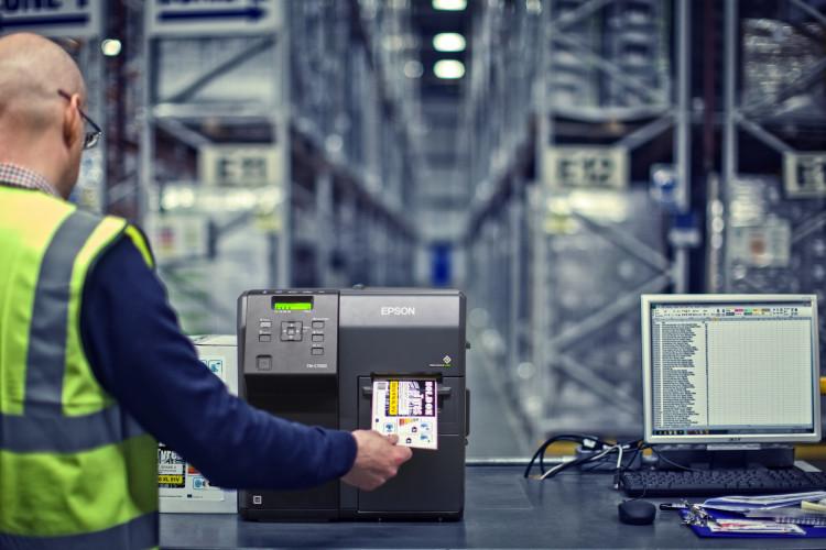 BlueStar amplía su oferta en Europa sumando las impresoras de etiquetas en color de Epson a su catálogo