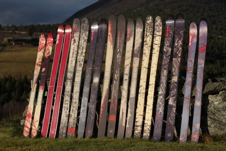 Personligt utformad design på skräddarsydda skidor
