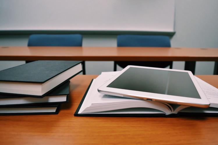 Zusammenarbeit im Klassenzimmer– Projektoren im Unterricht