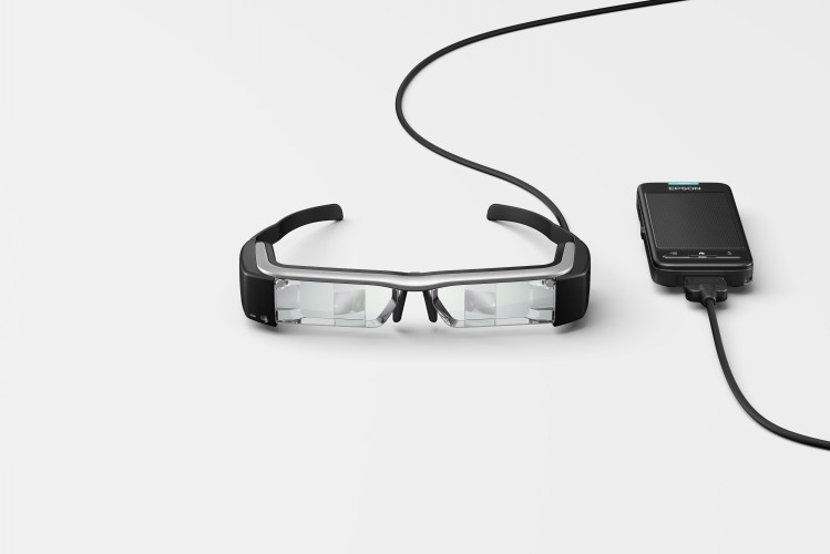 Tarkett introduceert Epson Moverio BT-200 smart glasses voor het leveren van customer value door middel van meeslepende vloerbedekkingsdemonstraties