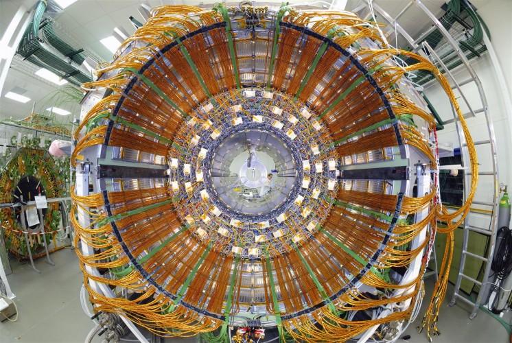 Hightech von Epson für Hightech-Forschung am CERN