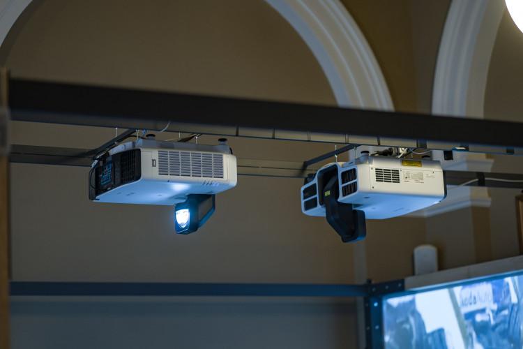 V Národním muzeu se promítají dějiny za pomoci projektorů Epson