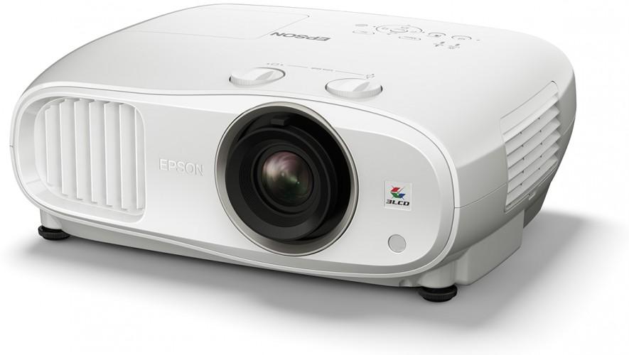 Epson'un yeni projektör modeli TW6800; profesyonel segmenti, giriş seviyesi bütçesiyle evinize taşıyor.