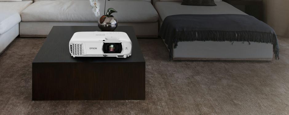 Neue Epson Home Cinema-Projektoren für Film, Spiel und Unterhaltung