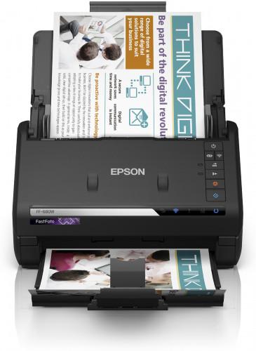 Epson FastFoto FF-680W: 30 Fotos in 30 Sekunden scannen