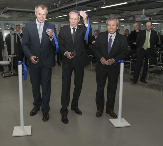 Minister eröffnet Epson Technologie Zentrum in Meerbusch, Nordrhein-Westfalen