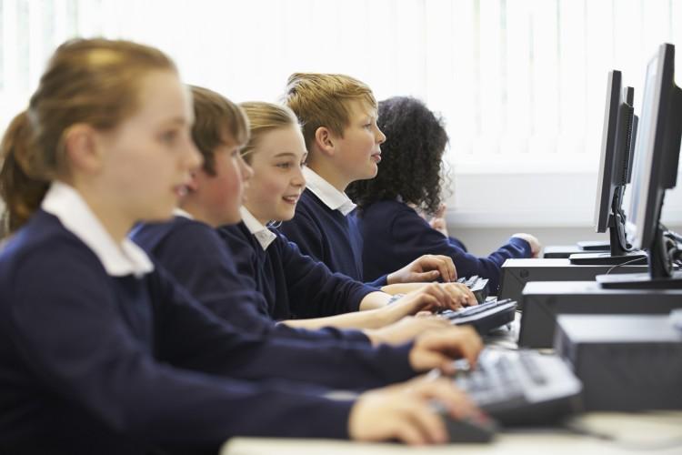 """Müssen Lehrer heute """"Digital Natives"""" sein?"""