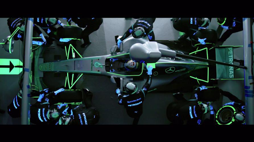 Epson und Mercedes-AMG Petronas Motorsport zeigen