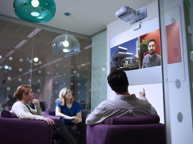 Les huddle rooms et la nature fluctuante des réunions professionnelles