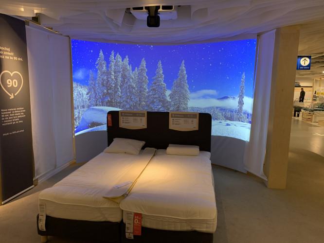 IKEA wzbogaca ekspozycje dzięki projektorom Epson