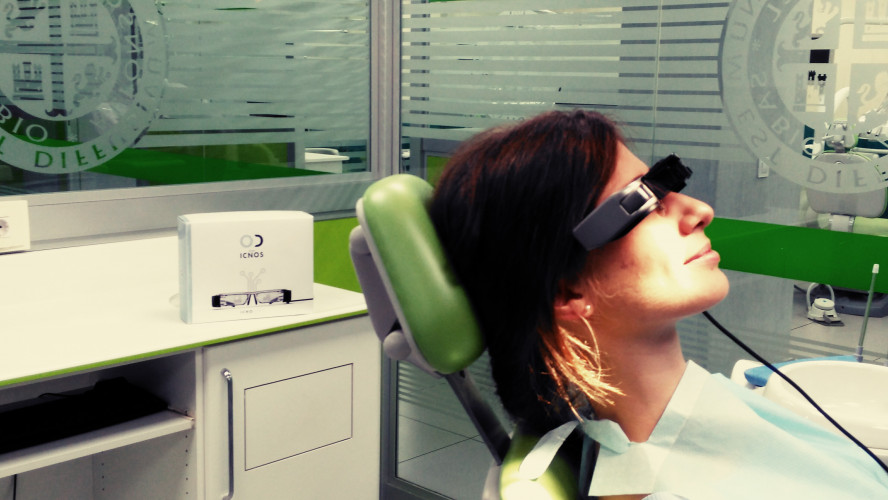 Eliminate anxiety with Moverio during dentist's visit