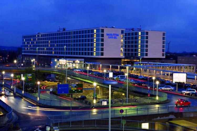 Maritim-Hotel Düsseldorf setzt auf Epson-Projektoren
