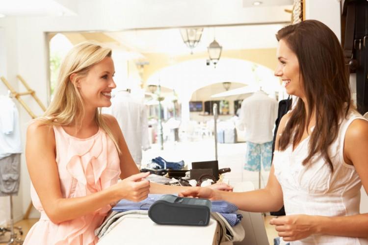 Los españoles son los compradores que menos aguantan la espera en las tiendas
