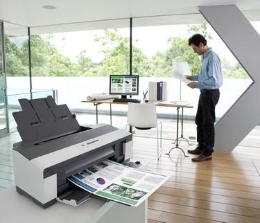 Epson® prináša malým podnikom možnosť väčšej a rýchlejšej tlače vďaka zariadeniu Epson Stylus Office B1100