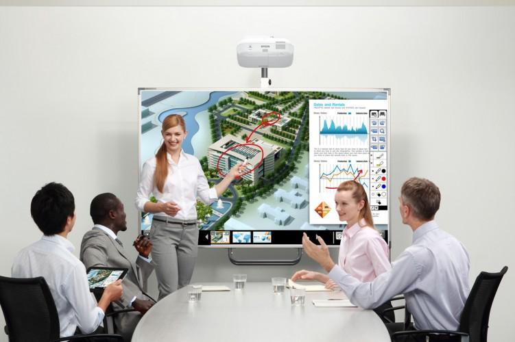 Epson își menține poziția de lider pe piața locală de videoproiectoare în primul trimestru al anului 2017
