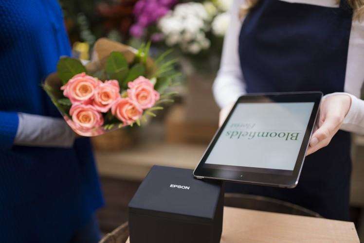TM-m30: Νέα επιλογή από την Epson για τις λύσεις εκτύπωσης σημείων πώλησης με tablet