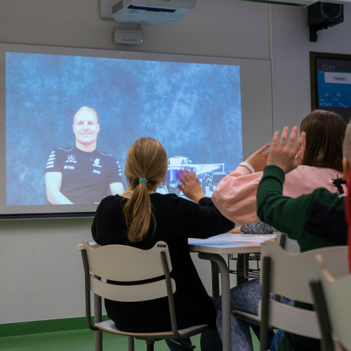Finnish Formula One™ star Valtteri Bottas helps Epson highlight why Finland is winning in primary education