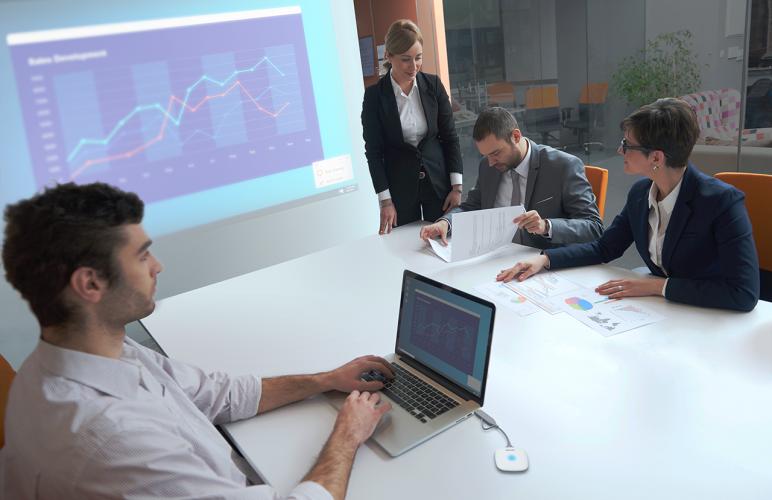 Epson tuo markkinoille uudet langattomat esitysjärjestelmät, jotka helpottavat yhteyden muodostamista ja parantavat yhteistyötä
