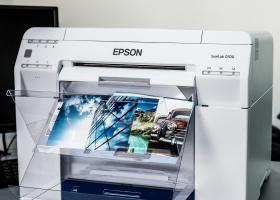 Drukarnia cyfrowa BBZ Polska  stawia na suchy lab od Epson