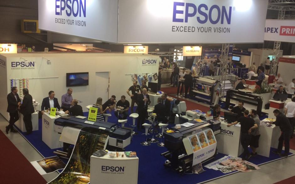 Epson predviedol na veľtrhu Reklama Polygraf novinky z oblasti veľkoformátovej tlače