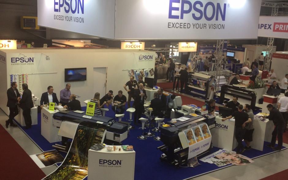 Epson předvedl na veletrhu Reklama Polygraf novinky z oblasti velkoformátového tisku