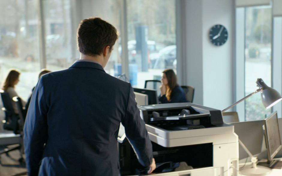 Al conocer los datos reales sobre la impresión láser, el 76% de los europeos encuestados elige la tecnología de inyección de tinta